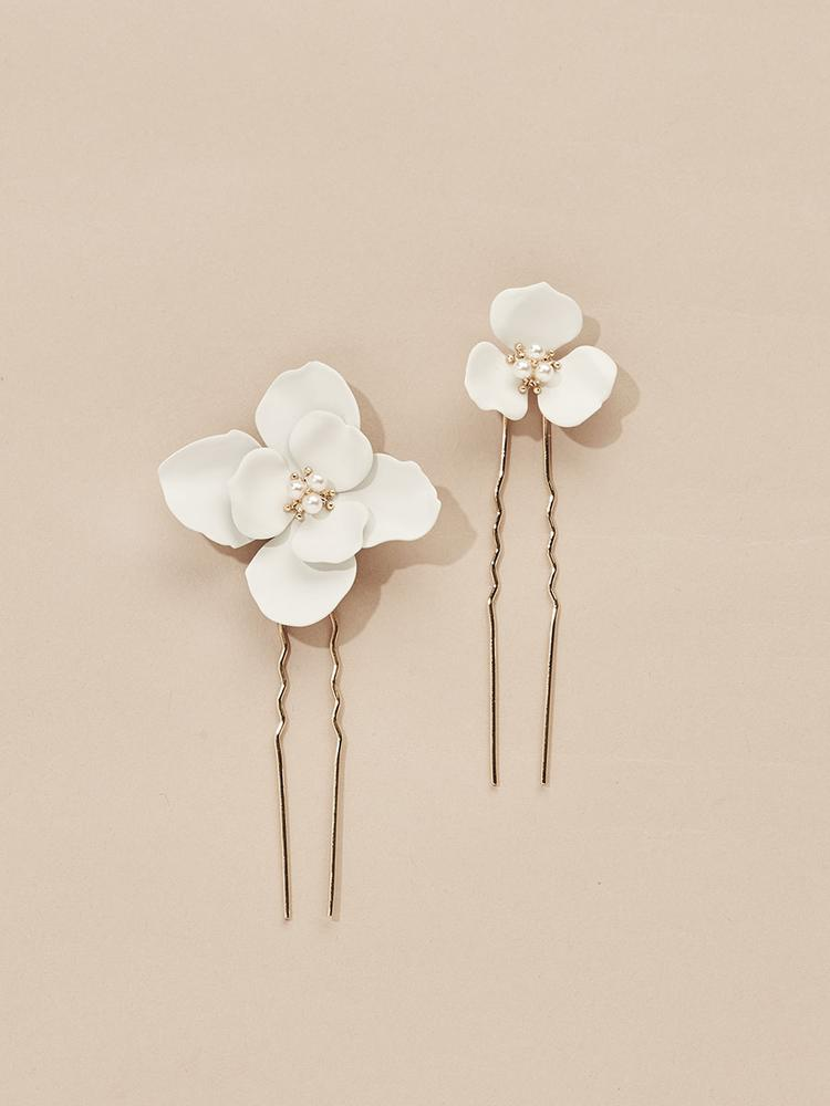 Load image into Gallery viewer, Ameniaarts Georgia Flower Hair Pins (Set of 2)