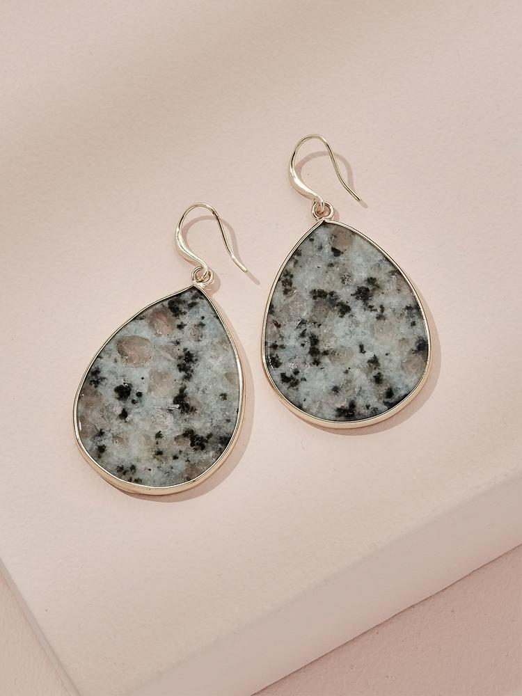 Load image into Gallery viewer, Ameniaarts Wolfe Drop Earrings