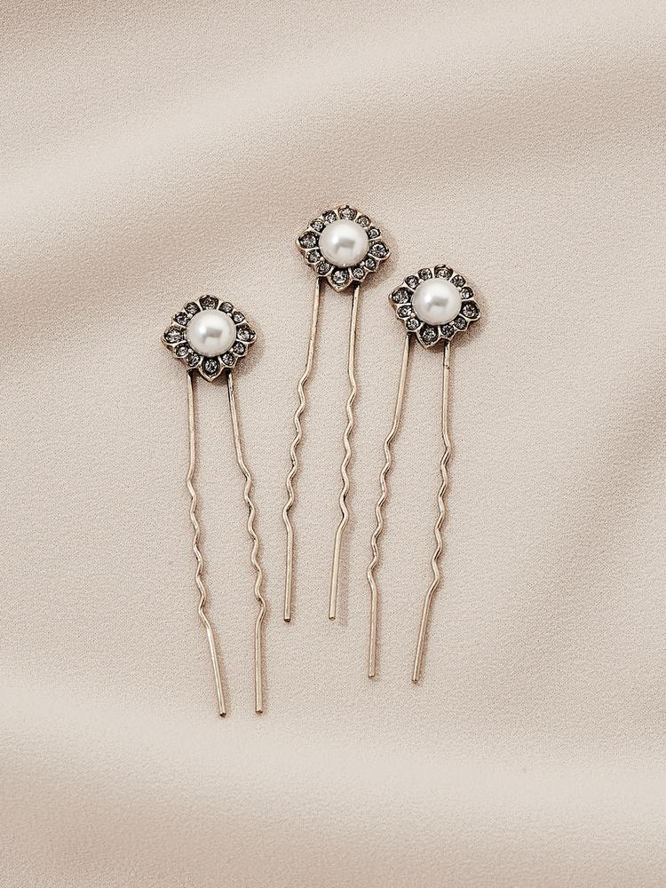 Load image into Gallery viewer, Ameniaarts Daisy Hair Pins